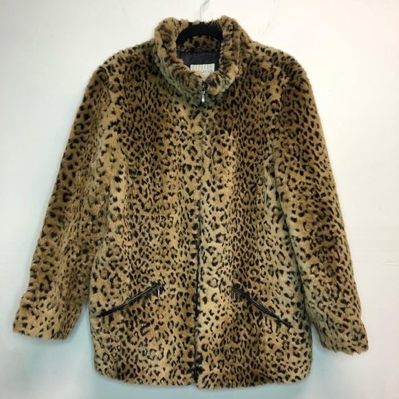 88bd762455 Leopard print teddy bear fur coat PLUS SIZE. White Stag.  M_5bfaa878c61777248c37527a. M_5bfaa87a951996e26d691bad.  M_5bfaa87cc9bf50df04178db7